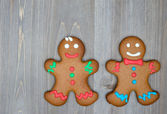 Christmas still life with traditional gingerbread cookies on woo — Stock Photo