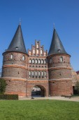Front of the Holsten gate in Lubeck — Stock Photo