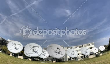 Time lapse satellite dishes — Stock Video