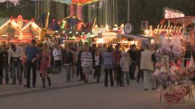 Oktoberfest night scenery — Stok video