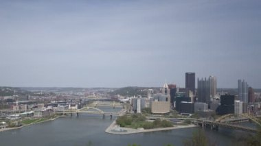 Pittsburgh Skyline at daytime — Stock Video
