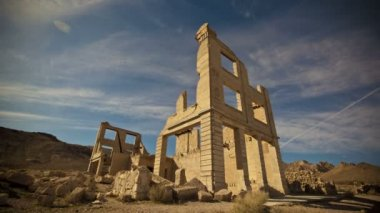 Old abandoned bank building ruin, Nevada — Stock Video