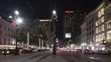 New Orleans Canal Street with streetcars and traffic — Stock Video