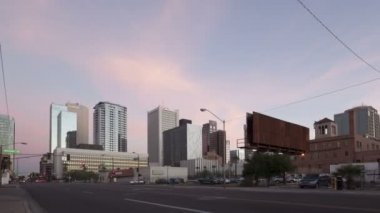 Traffic Phoenix downtown at sunset and twilight — Stock Video