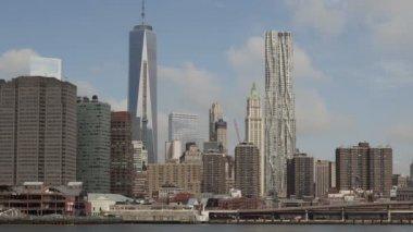 Manhattan skyline with World Trade Center — Stock Video