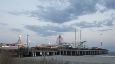 Amusement Park at Steel Pier Atlantic City — Stockvideo