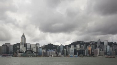 Hong Kong Skyline with dark clouds — Stock Video