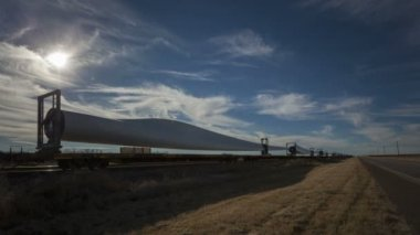 Windmill blades on cargo train — Stock Video
