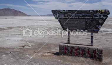 Salt Lake Sign Race Track — Stock Video