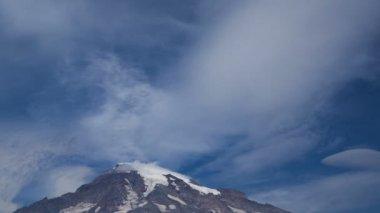 Peak of Mountain Rainier — Stock Video