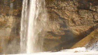 Slowmotion Seljalandsfoss waterfall close up — Stock Video