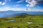 Carpathians Mountain lake — Stock Photo