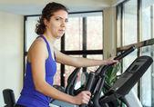 γυμναστήριο προπόνηση γυναίκα — Φωτογραφία Αρχείου