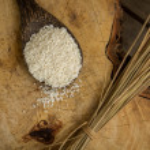 Wooden Spoon rice, wood floors, brown, jasmine rice, surface. — Stock Photo #71320455