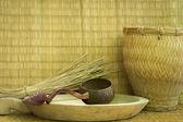 Hasır kabuk yüzey, bambu kahverengi arka plan. — Stok fotoğraf