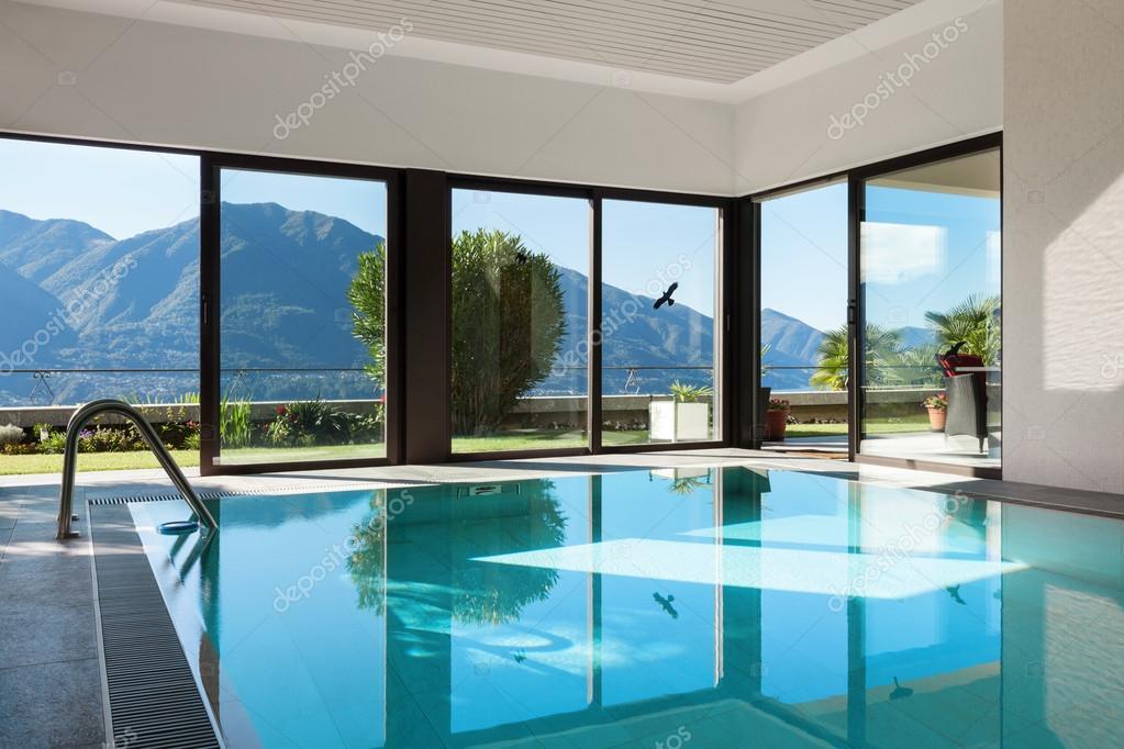 Casa piscina interior fotografias de stock zveiger 101903000 - Piscina interior casa ...