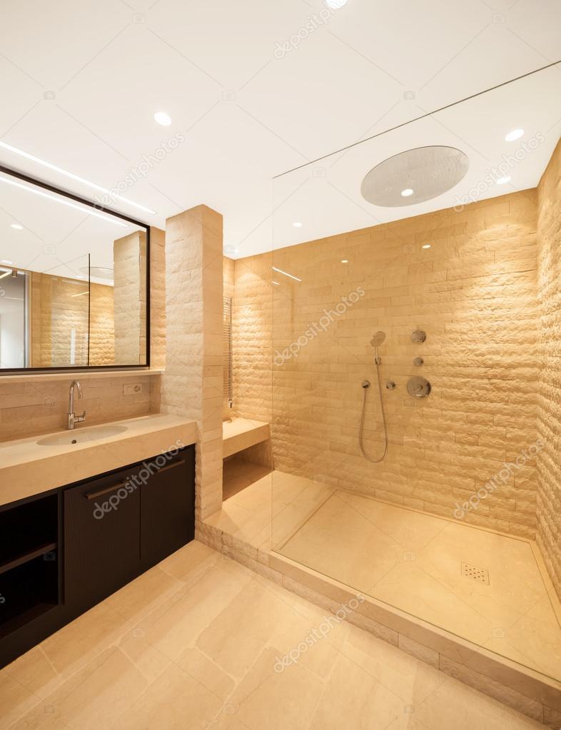 Empty Apartment Bathroom modern architecture, new empty apartment, bathroom — stock photo