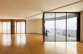 Empty room with windows — Stock Photo