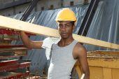 Man working in construction site — Foto de Stock