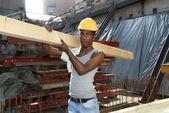 человек, работающий в стройплощадке — Стоковое фото