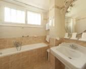 Salle de bain style classique — Photo