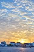 Orange Sunset over city — Stockfoto