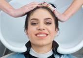 Laver les cheveux — Photo