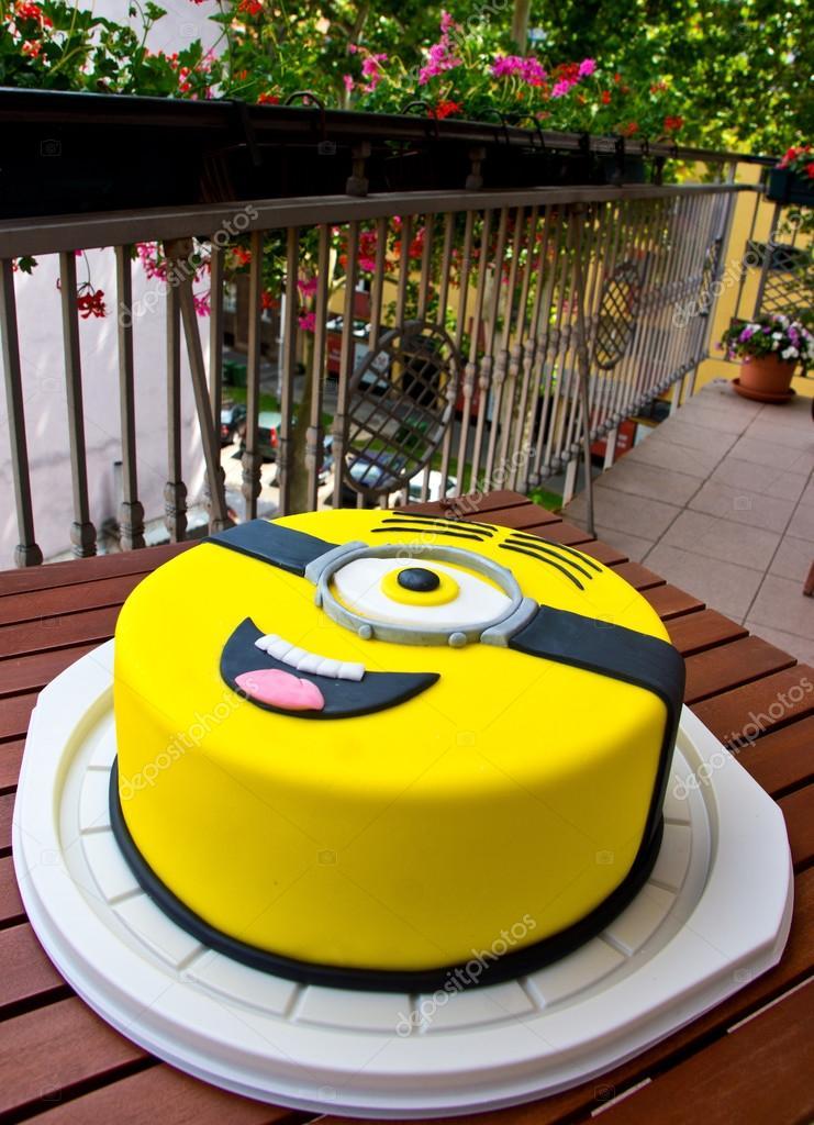 Birthday Cakes Zagreb ~ Minion birthday cake stock editorial photo � bertys
