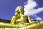 Big gloden buddah — Stock Photo