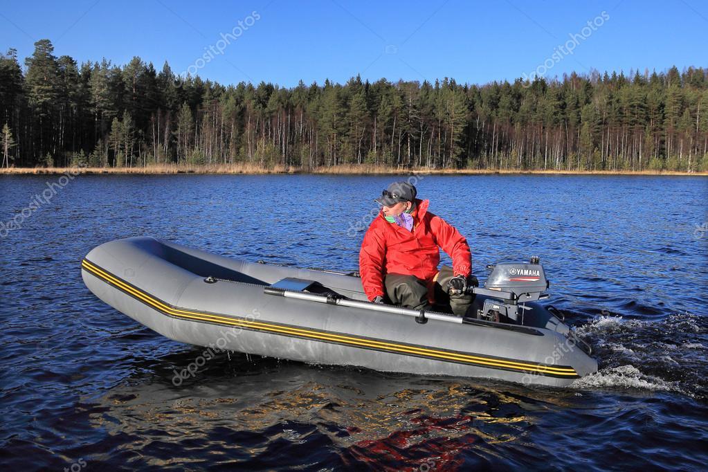 лодок с подвесным двигателем