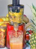 Extractor juice low rpm in working produces fresh juice without  — Stock Photo