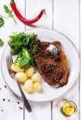 Grilled steak with potatoes — Photo