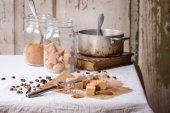 Fudge and coffee beans — Stock Photo