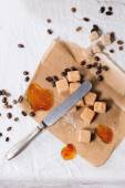 Fudge and coffee beans — Foto de Stock