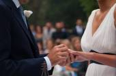 Exchange of wedding rings during the ceremony — Stock Photo