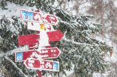 Signal paths snow in switzerland — Stock Photo