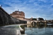 Bridge of Castel St. Angelo from tiber river. Rome - Italy — Stock Photo