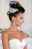 Ritratto di giovane sposa bella — Foto Stock
