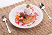 Blueberry yogurt ice cream serve with waffle — Stock Photo