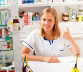 Kind Pharmacist — Stock Photo