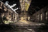 Interior industrial abandonado — Foto Stock