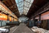 Hall de distribuição de electricidade na indústria de metal — Fotografia Stock