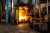 Harte arbeit in einer fabrik — Stockfoto