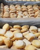 Portuguese cheeses at market — Stockfoto