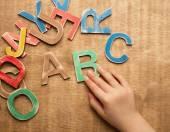 Lettere in legno colorato — Foto Stock