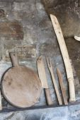 Kitchen tools on the fireplace — Foto Stock
