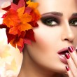 Autumn Makeup and Nail Art Trend. Fall Beauty Fashion Girl — Stock Photo