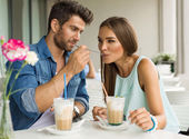 Two friends drinking coffee — Stockfoto