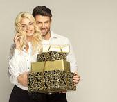 Couple with presents — Стоковое фото