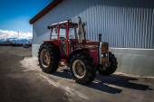 Tractor parked — Stock Photo
